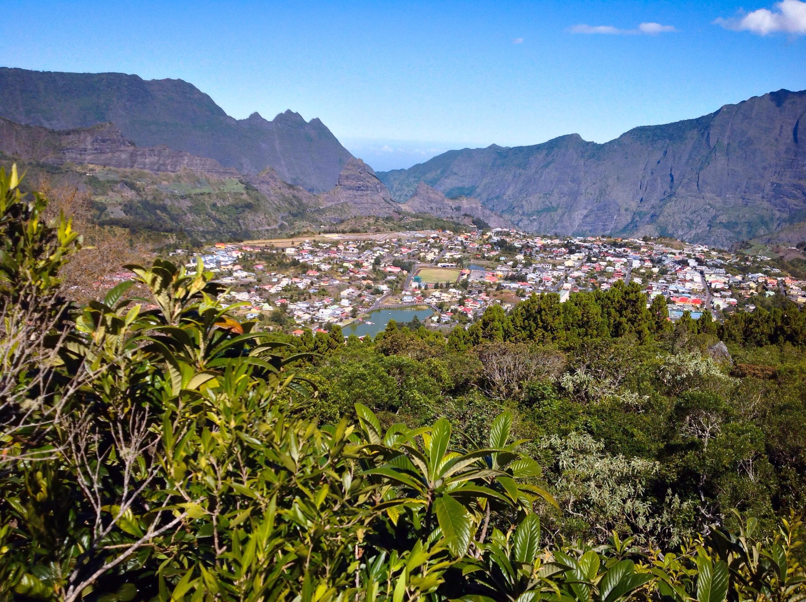 Le Tour de l'île - La Réunion -Navette Aéroport- excursions- circuits